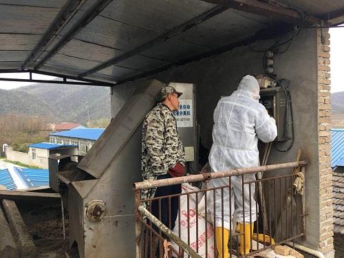 华全50kw养殖场专用双余热回收机组接电调试